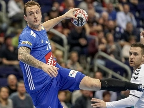 Handball-WM: Frankreich bleibt Deutschland dicht auf den Fersen