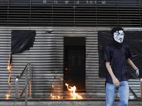 Polizei nimmt Protestler fest: Erneut Demonstrationen und Krawalle in Hongkong