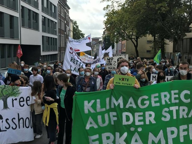 """""""Fridays for Future"""" in Aachen: Rund 5000 fordern die radikale Klimawende"""