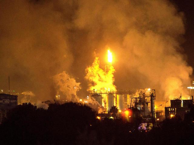 Toter und Verletzte bei Explosion in Chemiepark in Spanien