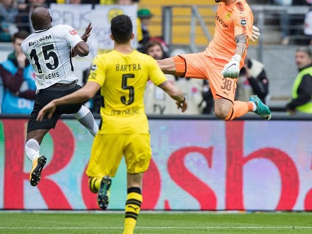 Bundesliga - Borussia Dortmund kommt bei Eintracht Frankfurt nur zu einem 2:2
