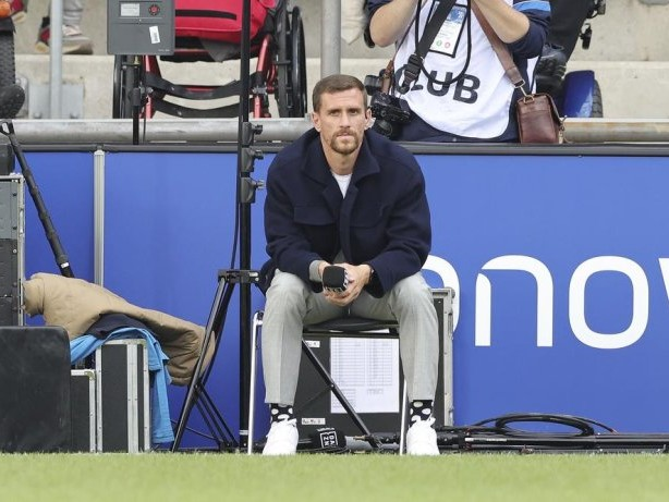 Bundesliga: VfL Bochum: Stürmer Simon Zoller nach Kreuzbandriss operiert