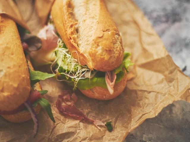 Rückrufe und Produktwarnungen: Salmonellen-Gefahr: Netto Marken-Discount ruft Salami-Käse Baguette zurück