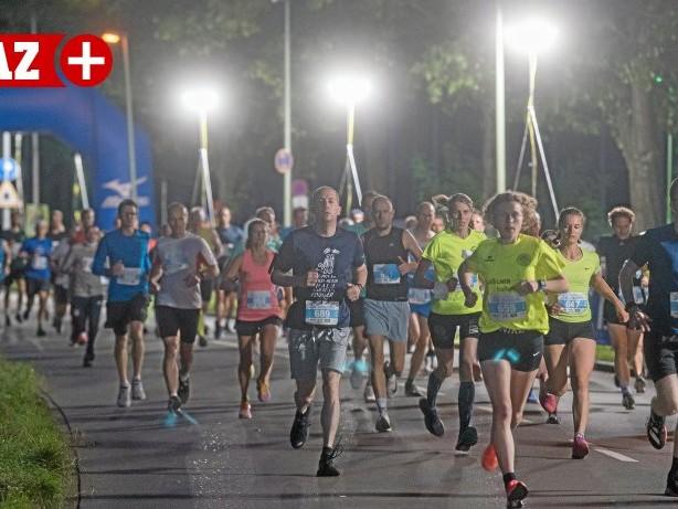 Bildergalerie: Bunerts Lichterlauf in Duisburg: Alle Fotos vom Sportevent