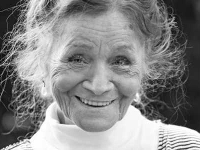 Als Fröhlich 1978 in der ZDF-Serie «SOKO 5113» in der Rolle der Renate Burger auftritt, schreibt sie ein Stück Fernsehgeschichte.