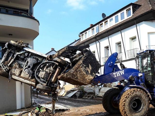 Unwetter in Deutschland: THW-Helfer beschimpft und mit Müll beworfen