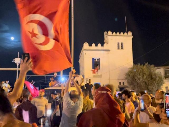 Tunesiens Präsident feuert Regierungschef und übernimmt Amtsgeschäfte