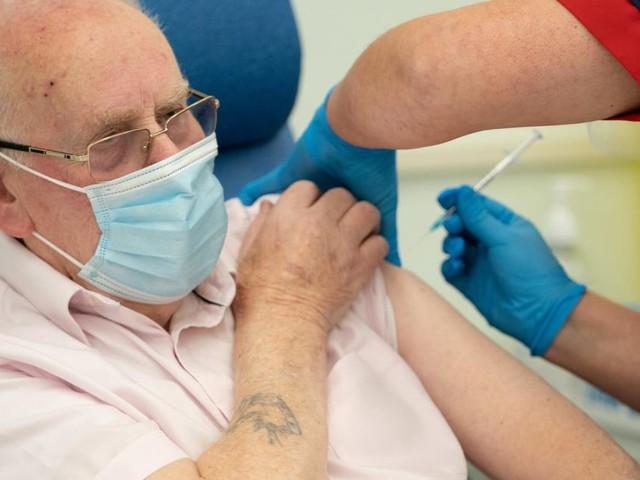 Impfung schützt Genesene weitaus besser vor Varianten