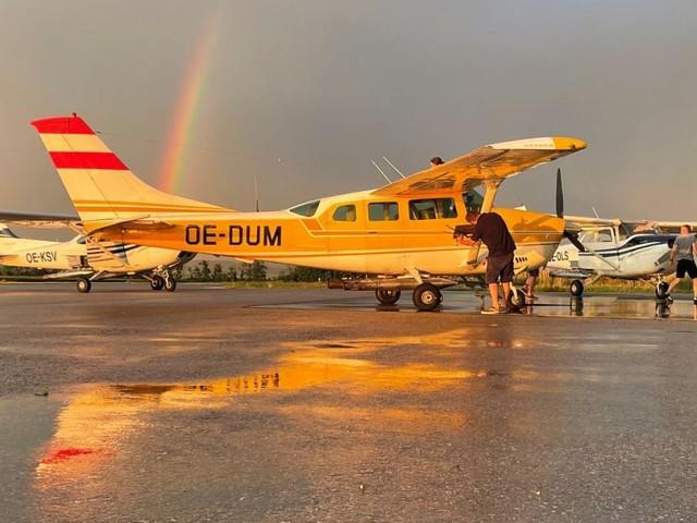 Hagelabwehr: Wenn es blitzt und donnert, steigen die Piloten in die Lüfte