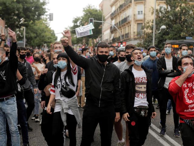 "Corona: Corona-Proteste in Madrid – ""Nun sperrt ihr uns ein"""