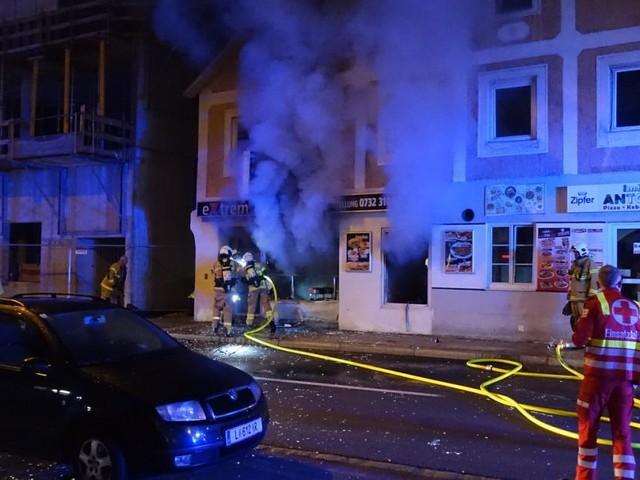 Explosion in Linz: Hausbewohner gefährdet