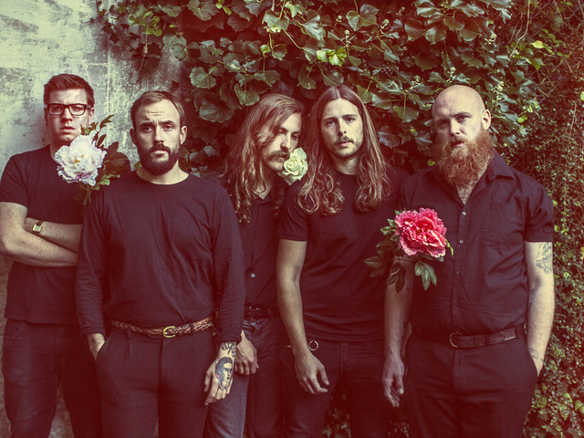 """Idles kündigen Livealbum """"A Beautiful Thing: Idles Live At Le Bataclan"""" an, zeigen Clip zu """"Mother"""""""