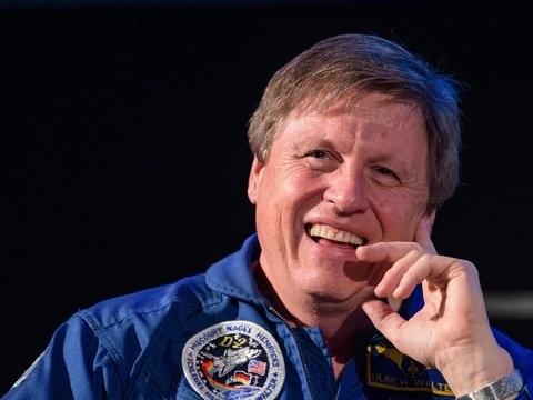 Eiserne Nerven: Ex-Astronaut Walter würde für einen Mondflug alles geben