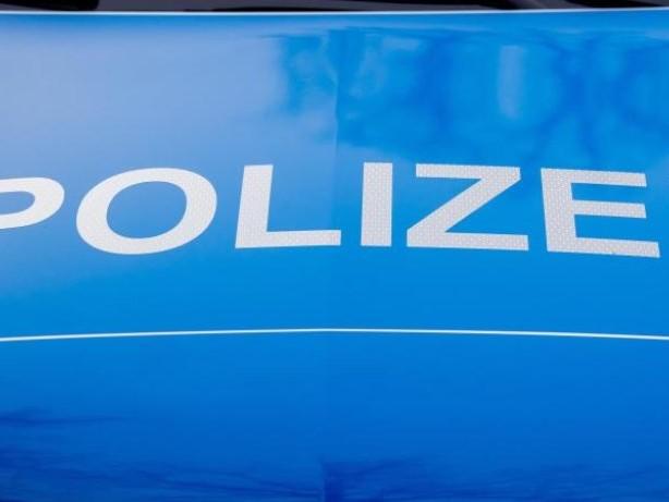 Kriminalität: Mann auf A 23 von Auto überrollt: Polizei sucht nach Zeugen