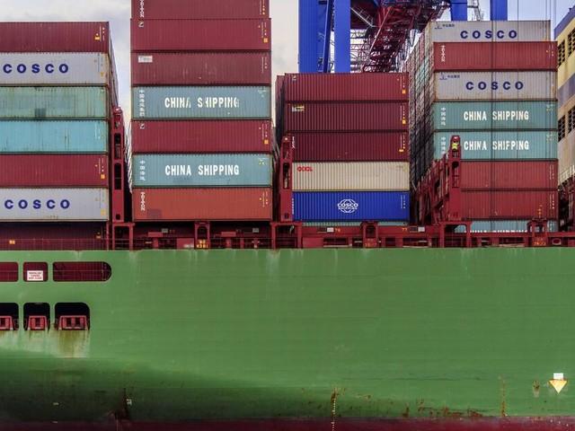 Frachter verliert im Sturm bis zu 270 Container in der Nordsee