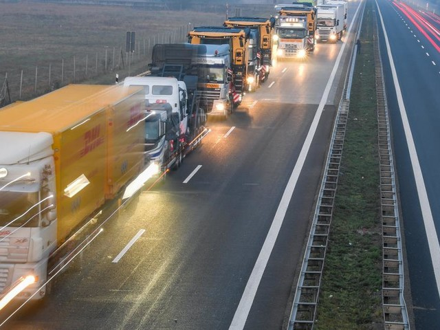 Bald leere Regale? In Österreich fehlen bereits Tausende Lkw-Fahrer