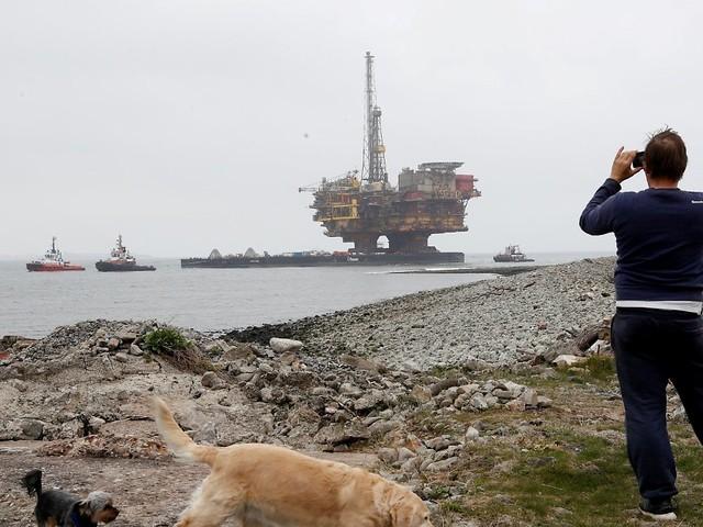 Nach Greenpeace-Protesten: Regierung will Abbau von Shell-Öl-Plattform