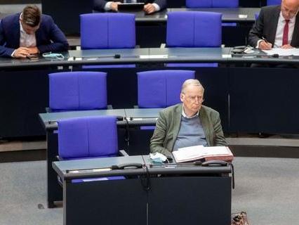 Streit im Bundestag: Keiner will neben der AfD sitzen