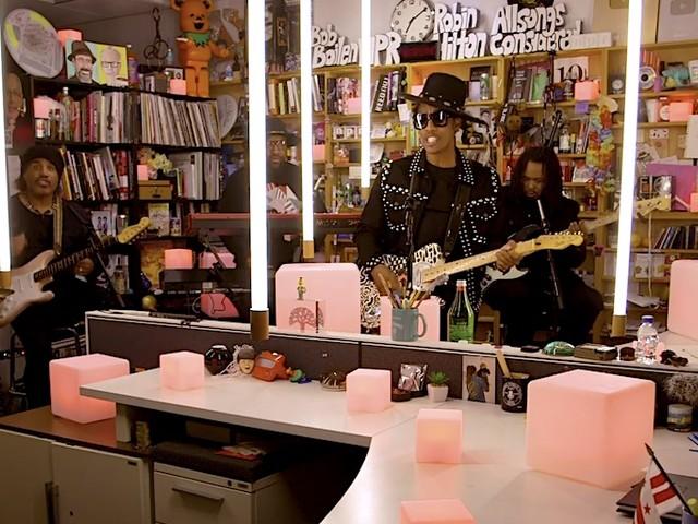 Raphael Saadiq performs live @ NPR's Tiny Desk Concert // Video