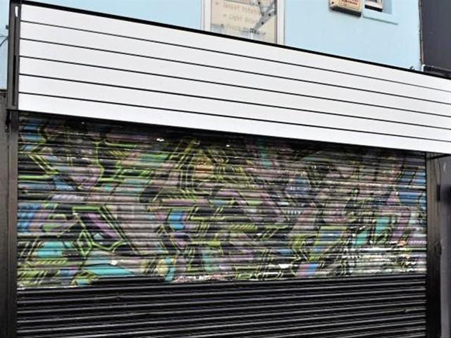 Ladenbesitzerin lässt frühen Banksy übermalen