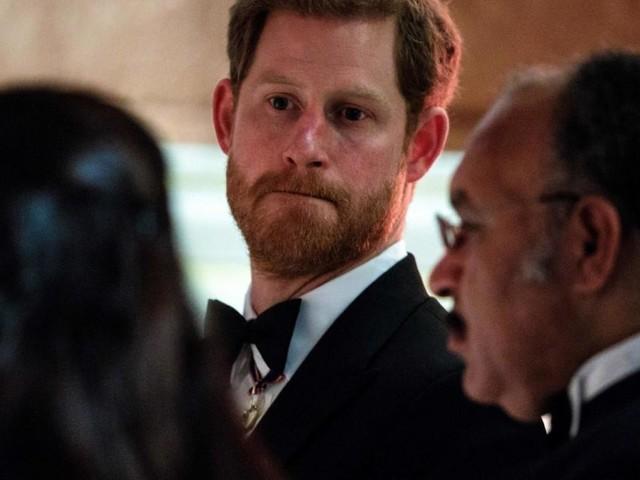 Prinz Harrys verzweifelter Versuch, Beziehung zu Charles zu retten