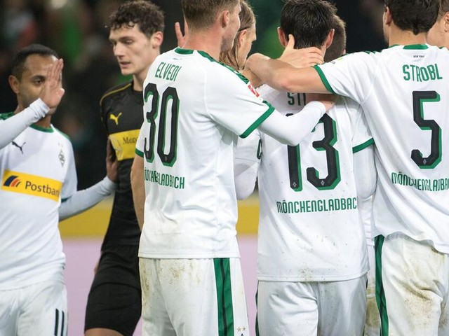 Gladbach mit Joker-Toren weiter erster BVB-Jäger - 3:0 gegen VfB