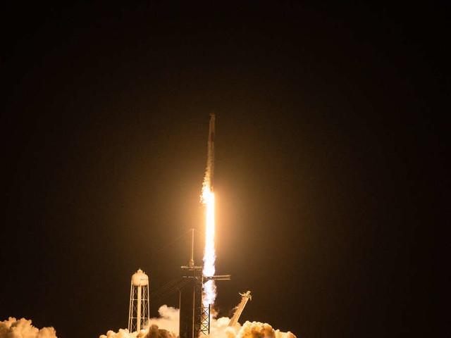 Auf aktueller SpaceX-Mission: Auch Souvenirs fliegen mit ins Weltall
