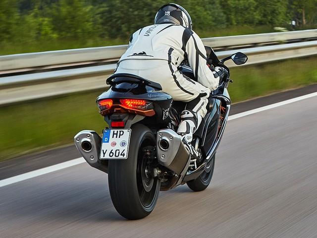 Suzuki Hayabusa 2021: Motorrad, Tempo 300, Supersport Schafft man auf der Suzuki Hayabusa den Höllenritt mit Tempo 300?