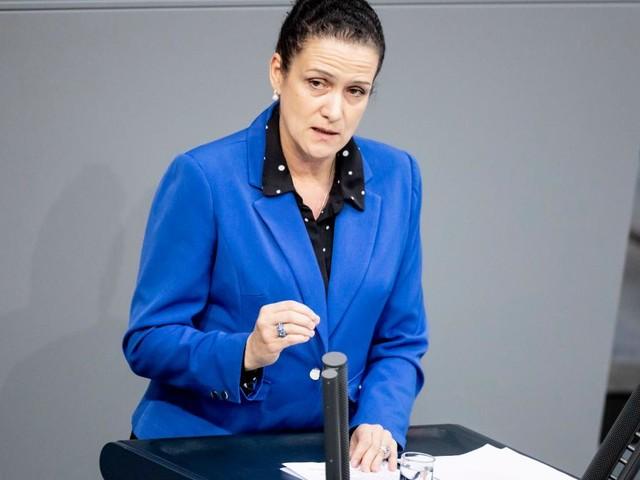 Nicole Höchst tritt gegen Meuthen an