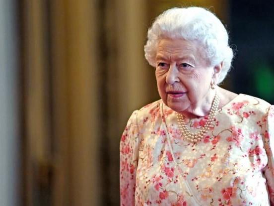 Klinik-Schock um Queen Elizabeth II.: Königin im Krankenhaus behandelt! Wie schlecht geht es ihr wirklich?