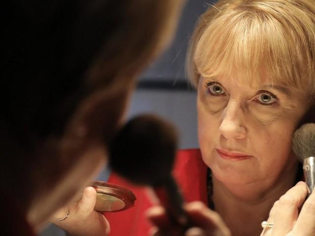 Kanzlerinnen-Double will sich Merkel-Raute wieder abgewöhnen