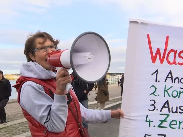 """Wenige Teilnehmer bei """"Querdenken""""-Demonstration in Mainz"""