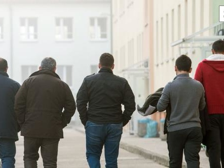 Jeder zweite Asylsuchende in Deutschland ohne Papiere
