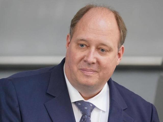 Fußball-EM: Kanzleramtschef Braun rät Fans von Reise nach London ab