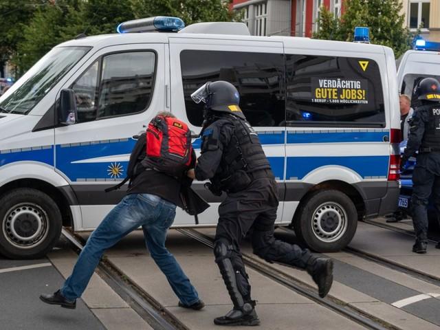 Berlin: Fast 600 Festnahmen bei Querdenker-Protesten vom Wochenende