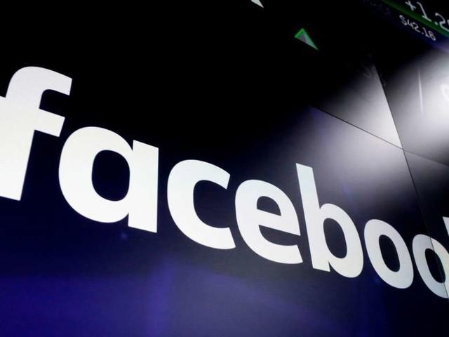 """Facebook löscht """"Querdenken""""-Konten – Gründer kündigt rechtliche Schritte an"""
