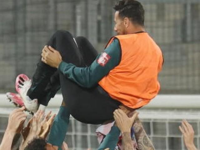 Werder-Legende huldigt Claudio Pizarro