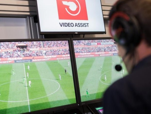 Premiere in Russland: FIFA erlaubt Videoschiedsrichter bei WM