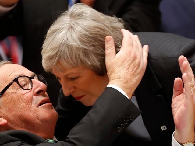 EU macht May Zugeständnisse, um Unterhaus zu besänftigen