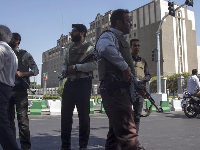 Anschläge in Teheran: Iran richtet acht mutmaßliche IS-Mitglieder hin
