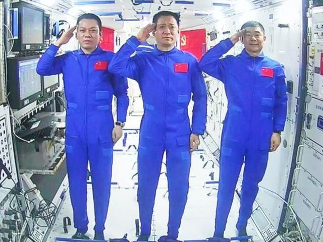 Raumfahrt: Chinas Astronauten wieder auf der Erde