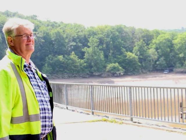 """""""Danach hatten alle Tränen in den Augen"""": Wie Bagger-Fahrer Hubert Schilles die Steinbachtalsperre rettete"""
