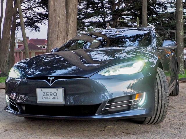 Tesla baut eigenen AI-Chip in Kooperation mit AMD