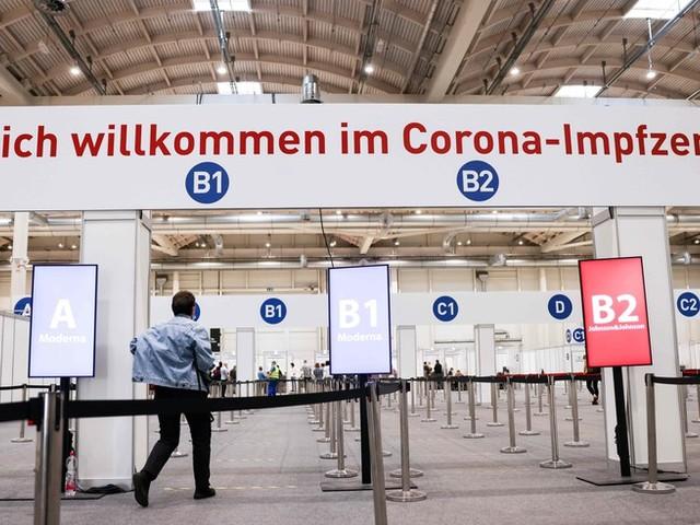 Corona-News – Ärztepräsident: Mehr Druck auf Ungeimpfte derzeit nicht angemessen ++ Biontech will bald Zulassung des Impfstoffs für Kinder ab fünf Jahren beantragen ++ Inzidenz bei 82,8