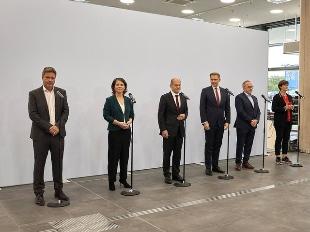 Politik-News: Lindner wirbt für Ampel-Koalition +++ Grüne stimmen über Aufnahme von Koalitionsverhandlungen ab
