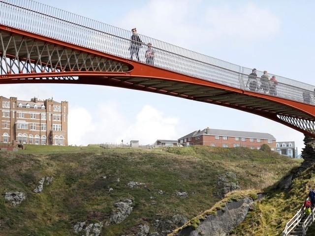 Zwischen Himmel und Erde: Faszination Brücken