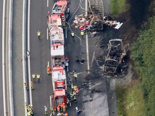 Ermittler: Fahrer als Verursacher des Busunfalls auf der A9 unter Verdacht