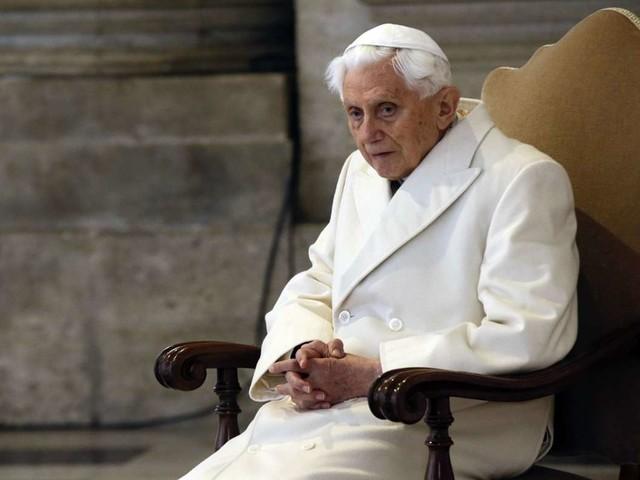 Emeritierter Papst Benedikt XVI.: Vatikan: Krankheit kein Anlass zu besonderer Sorge