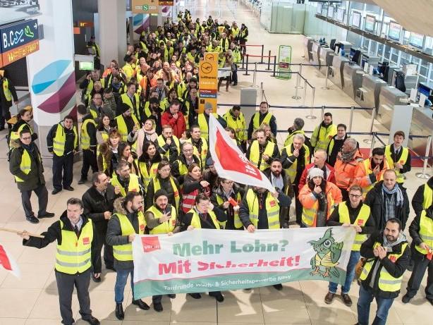Lohnverhandlung: Verdi-Warnstreik: Dienstag Streik am Flughafen Frankfurt