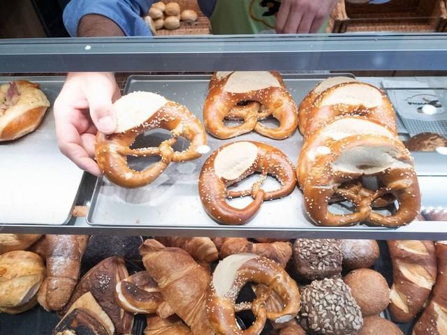 Bäcker-Urteil: Öffnungszeiten sollten nicht vom Kaffeeverkauf abhängen!